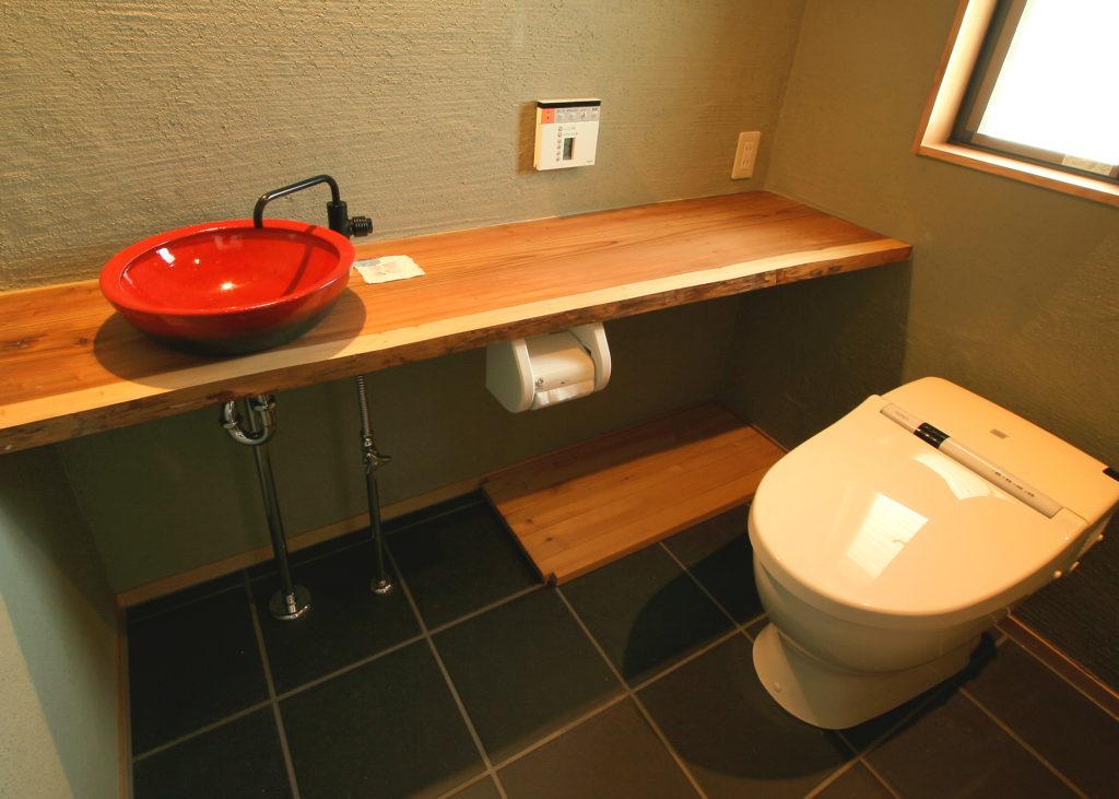 自然素材で統一したお手洗い