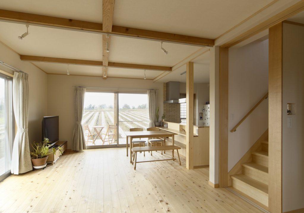 自然に調和した新築住宅
