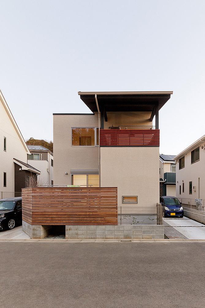 陸屋根と切妻屋根の家