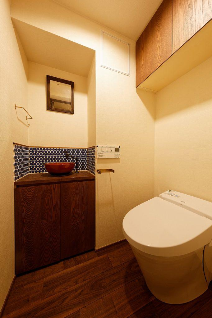 大正ロマンなトイレ空間