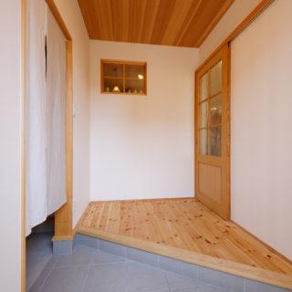 木視率多めな玄関