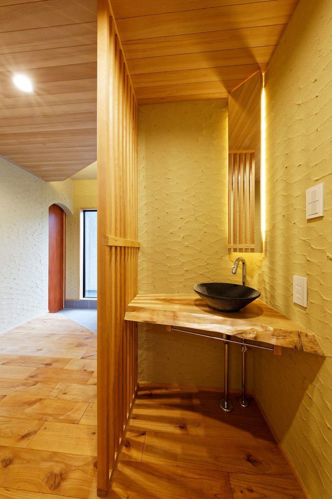 玄関ホールにある手洗いコーナー