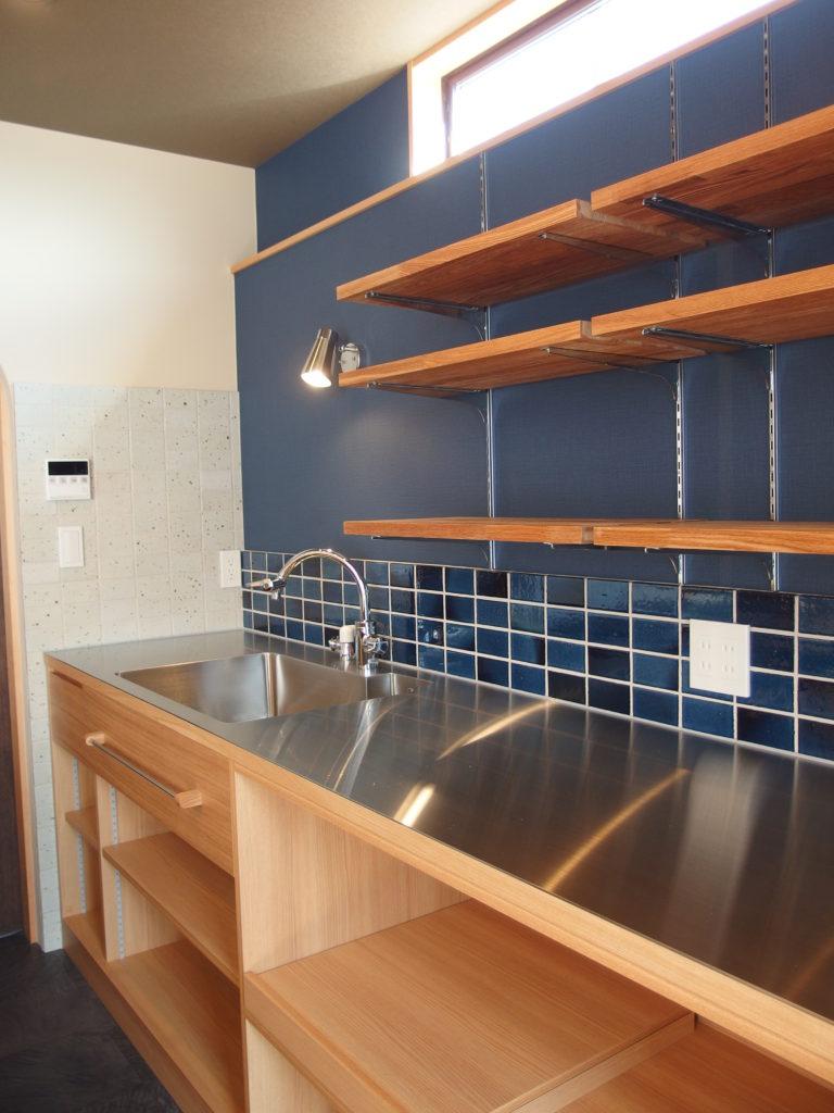 青のキッチン
