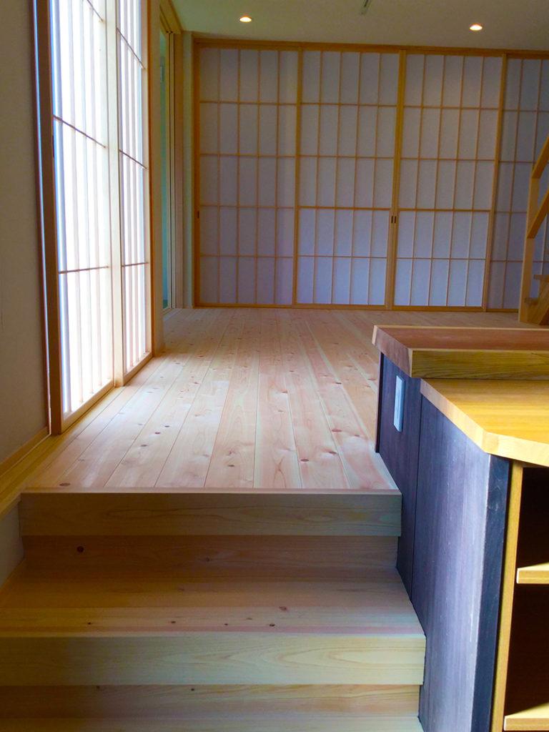 土間キッチンの階段