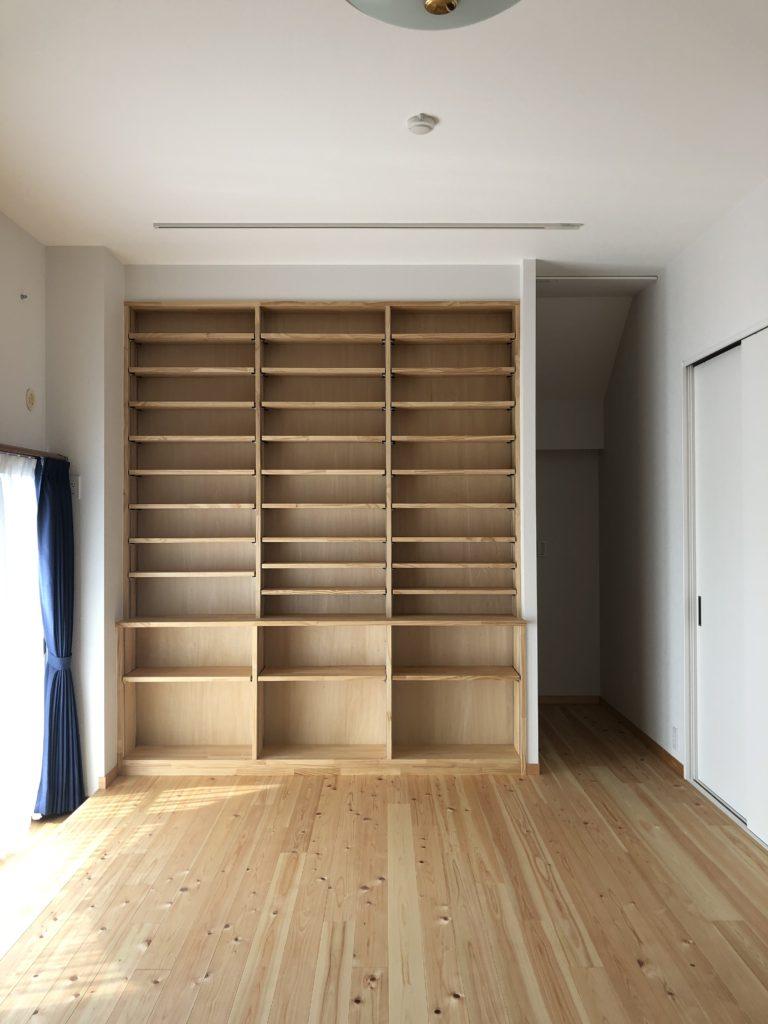 おおきな本棚
