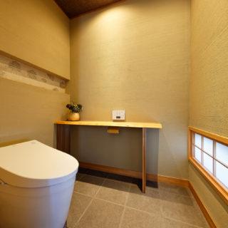 石材店のトイレ