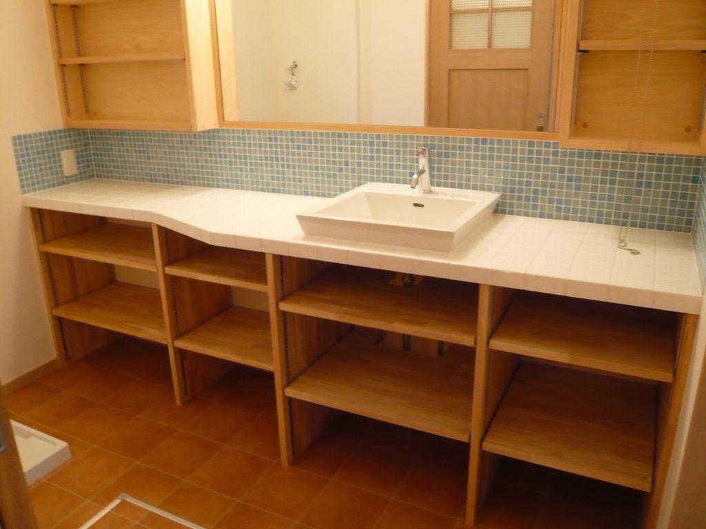 洗面台下の大容量な収納棚