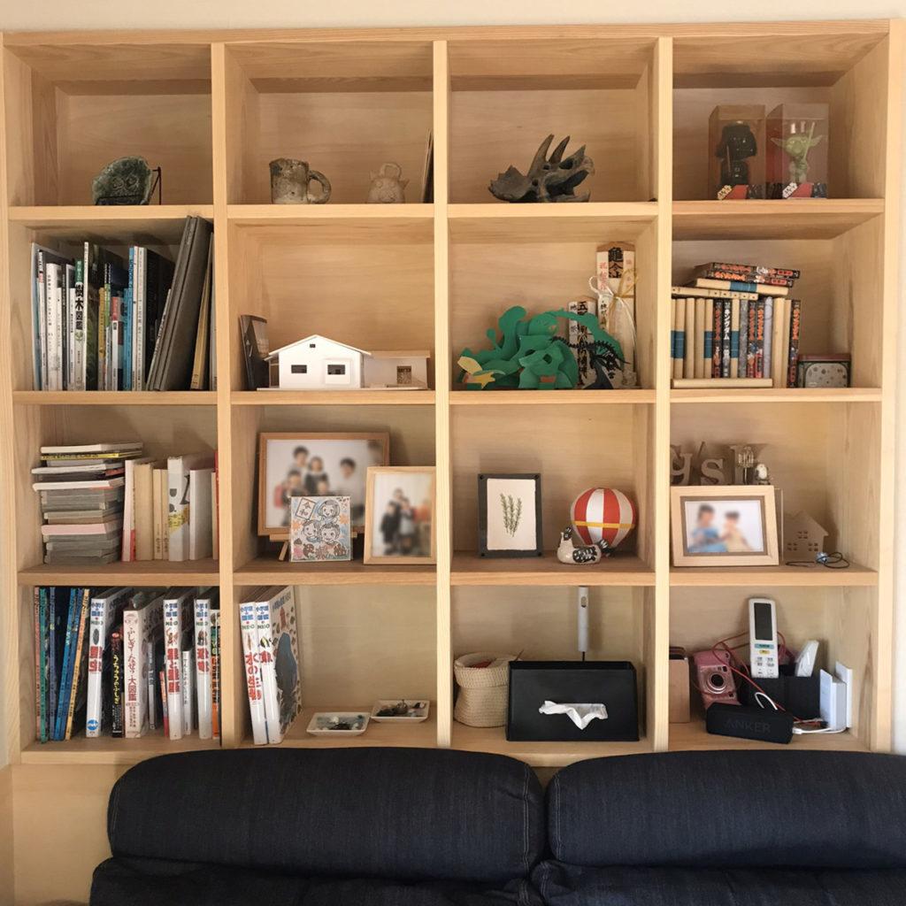 飾って楽しむ壁面本棚