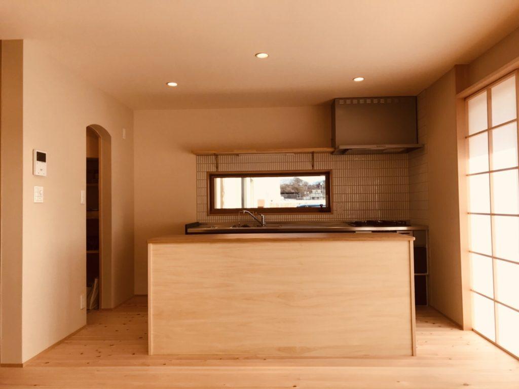 作業台とパントリーの組み合わせ