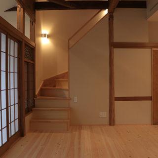 平屋住宅ロフトへの階段 入口