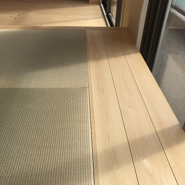 畳コーナーの床
