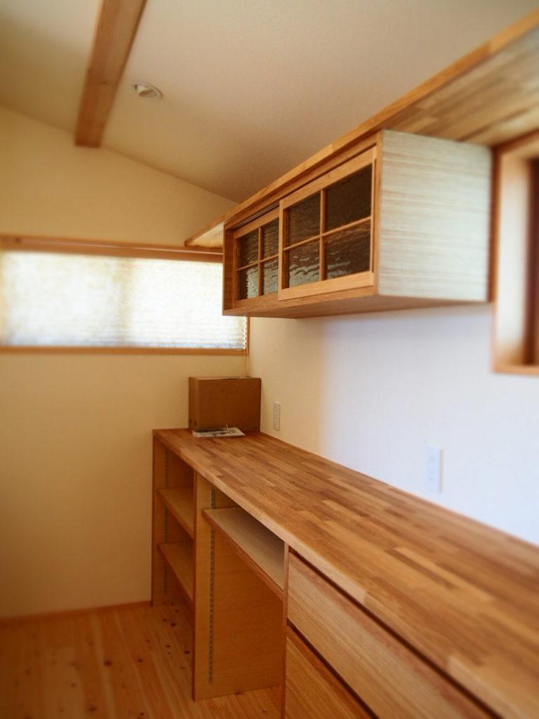 ナラ材の造作キッチンバックセット