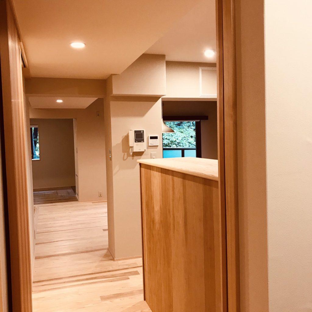 建具統一で趣あるマンション空間に