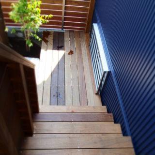 階段玄関ポーチ