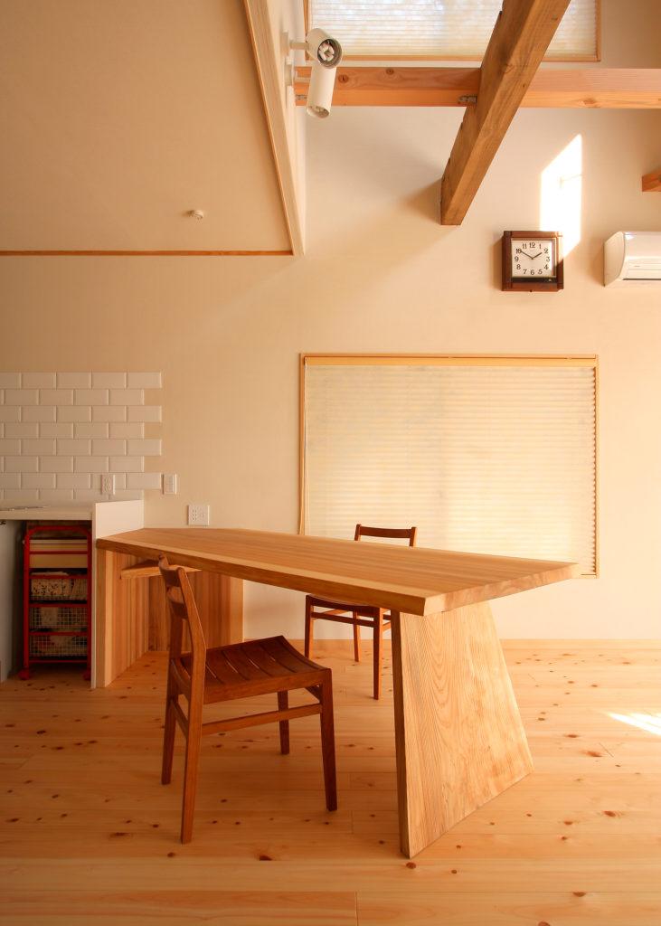 杉の一枚板ダイニングテーブル