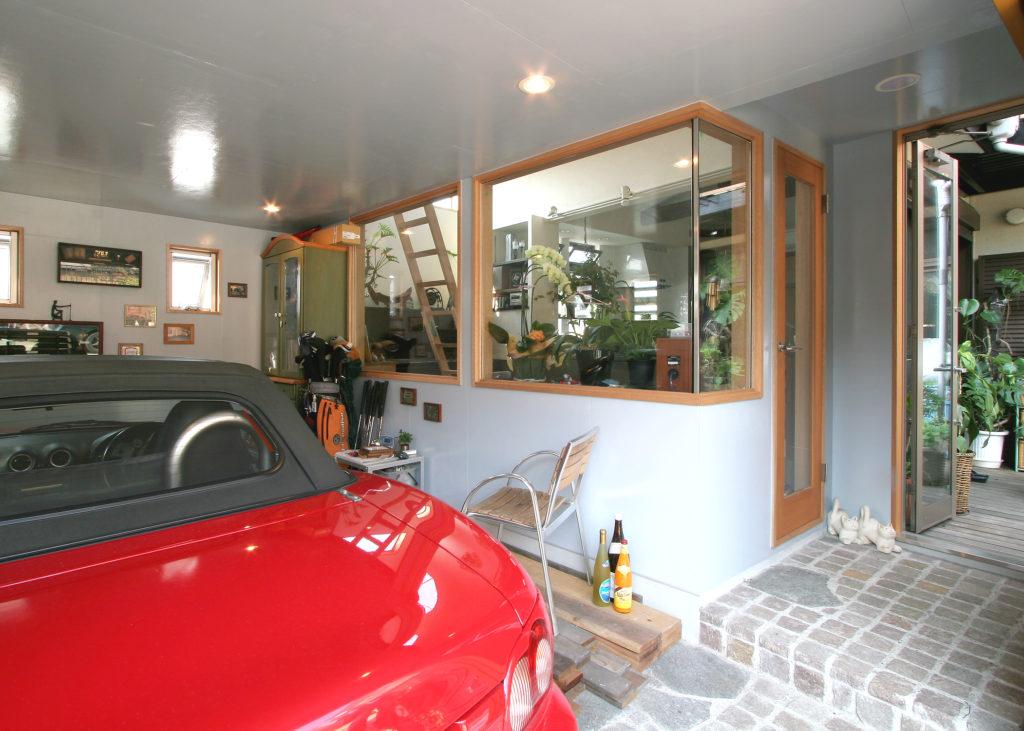 ビルトインガレージとキッチン