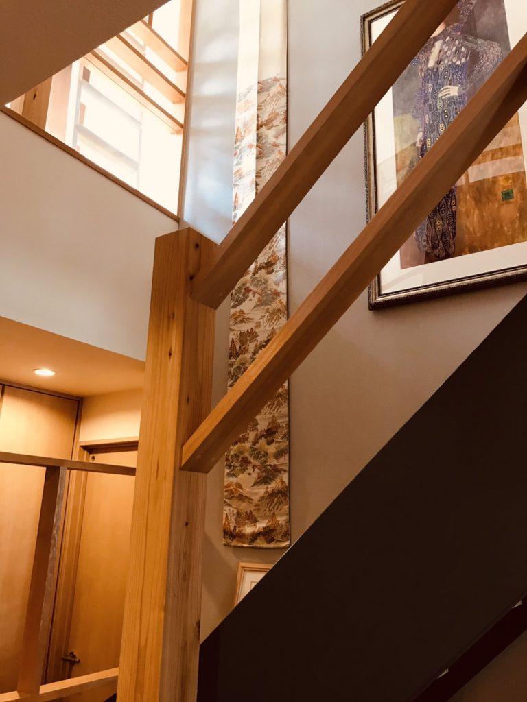 光と風を通すギャラリー階段