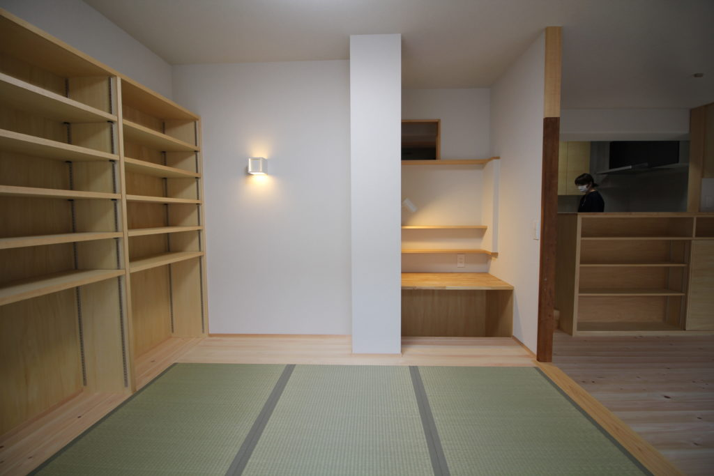 畳コーナーと書斎