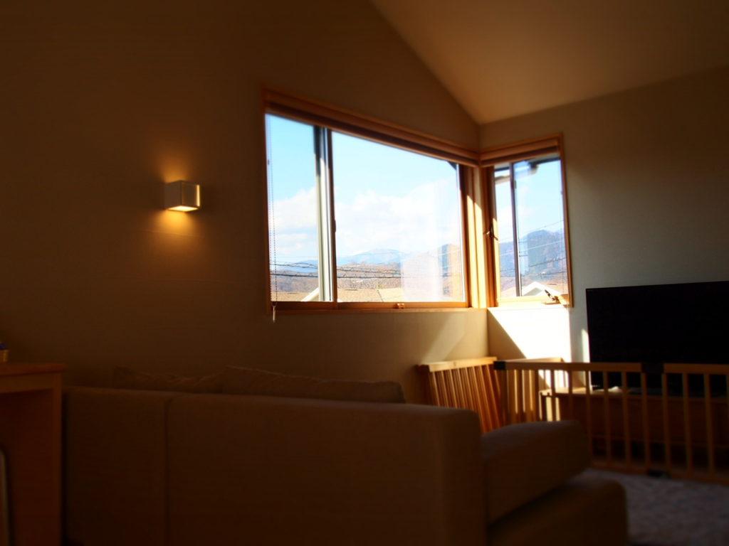 景色を立体的に感じるコーナー窓