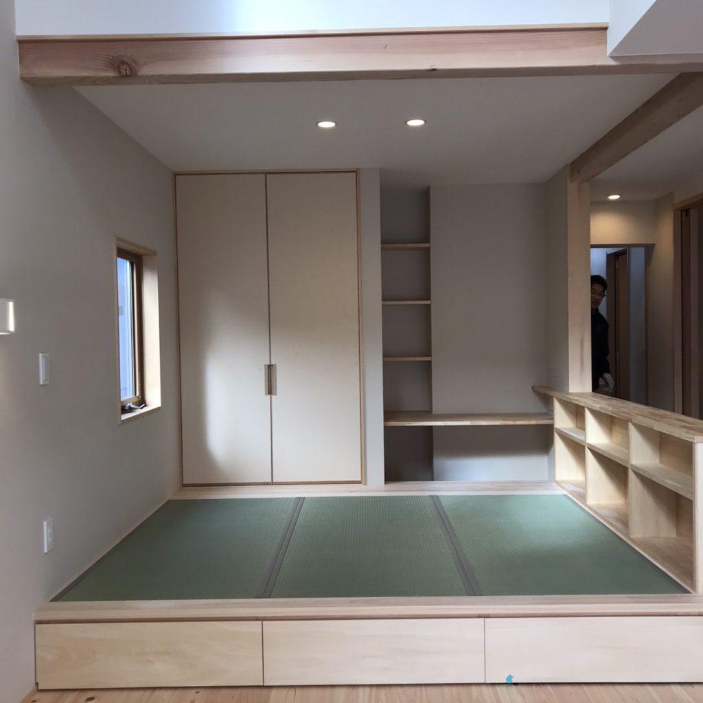 オープン書斎な畳コーナー