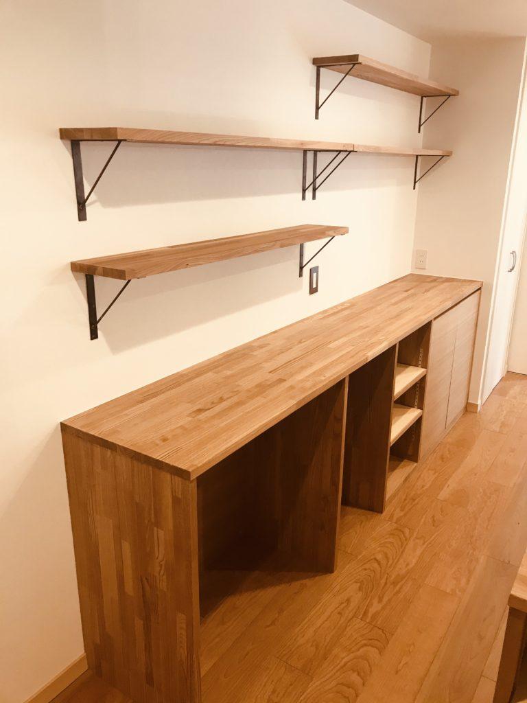 目的に合わせた造作キッチンカウンター収納